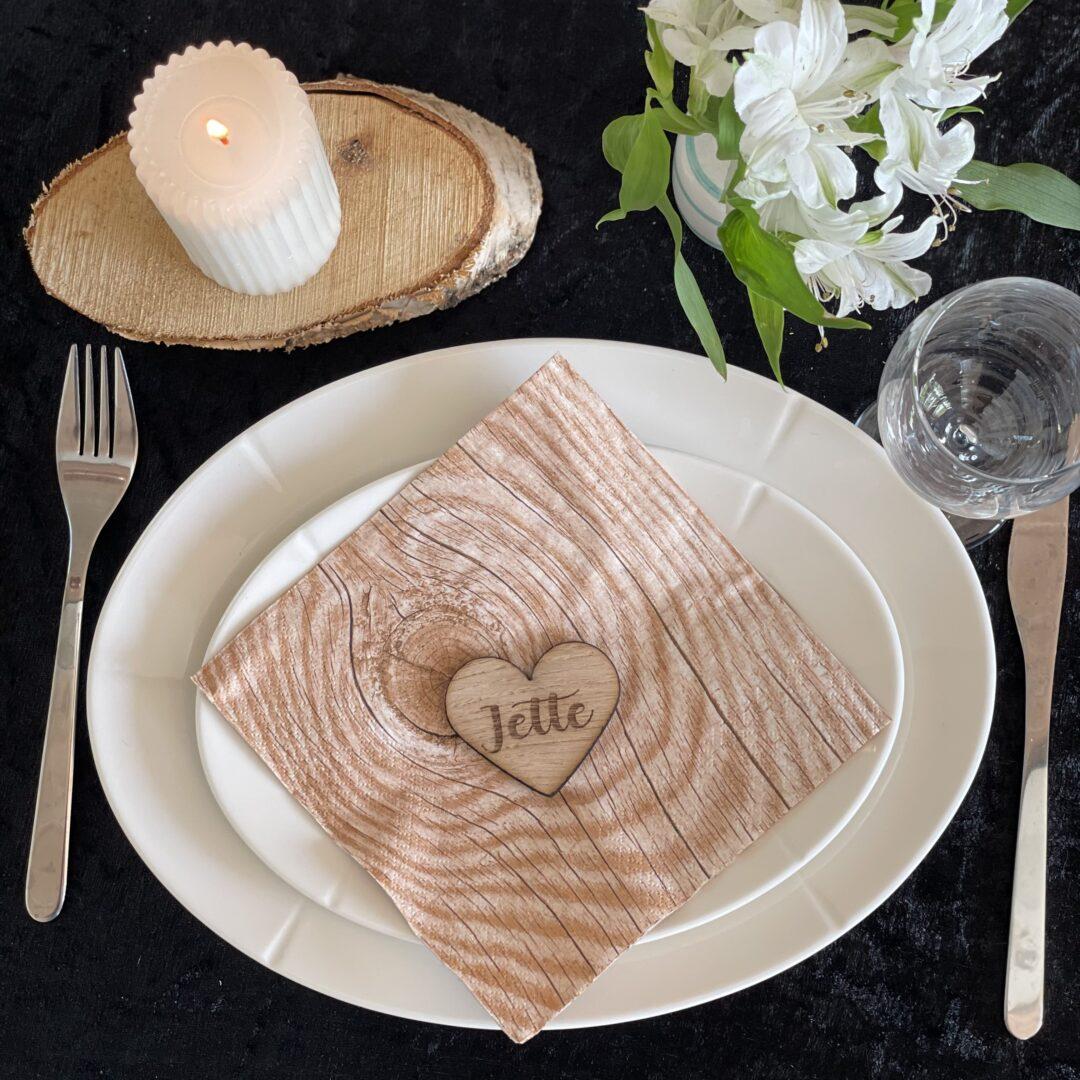 bordkort af træ, hjerte
