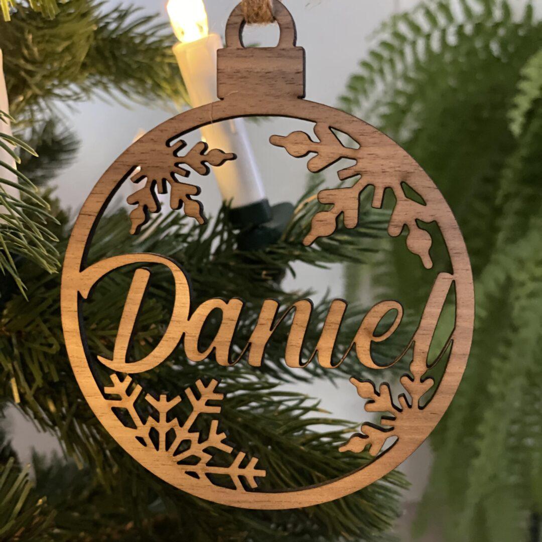 personlige julekugler af træ